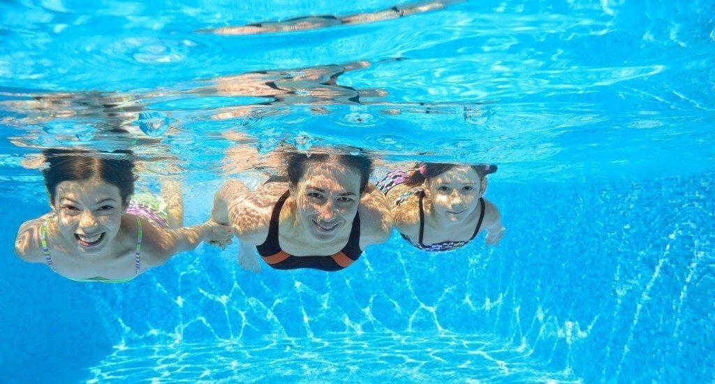 Slabeste la piscina • papaieftin.ro