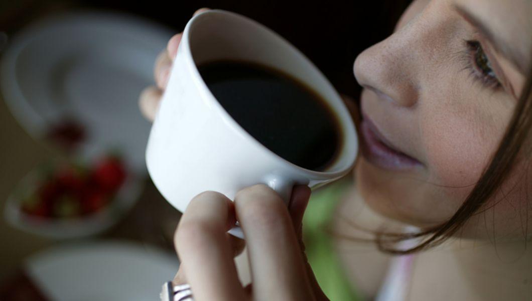 scade din greutatea cafelei negre)