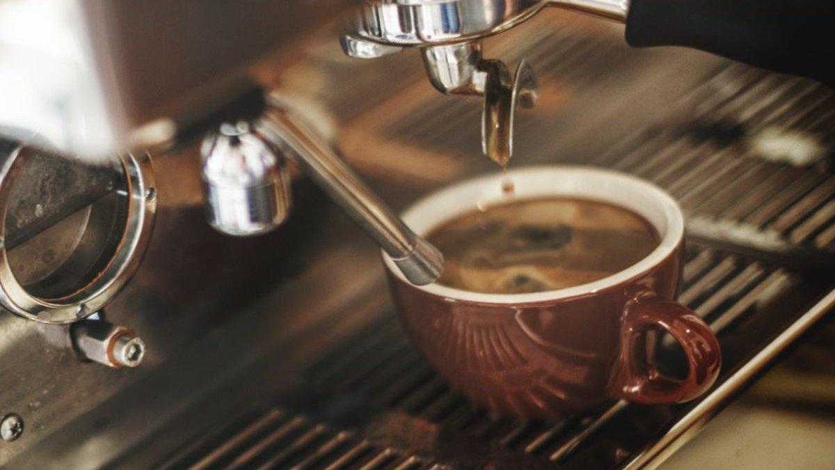 Cafeaua ajută la pierderea kilogramelor în plus?