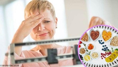 luptând să slăbească în menopauză)
