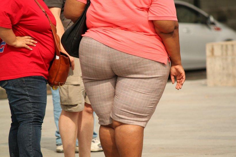 slăbește în mod constant în fiecare săptămână pierde kilogramul de grăsime pe săptămână