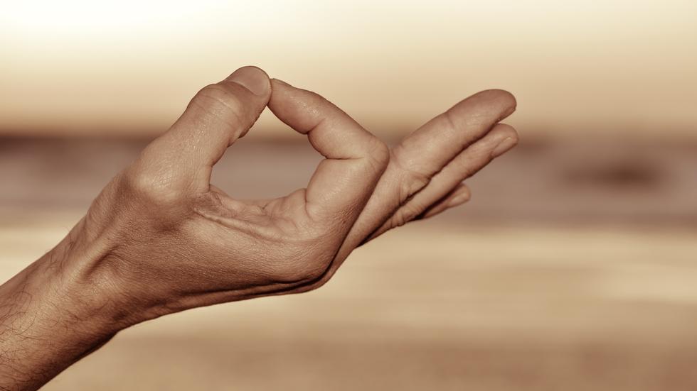 Mudra sau yoga mâinilor are efecte extraordinare asupra organismului! Iată cum se practică