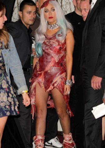 Lady Gaga într-o rochie de carne - Confetissimo - blogul femeilor