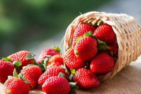 fructele de padure ard grasimi)