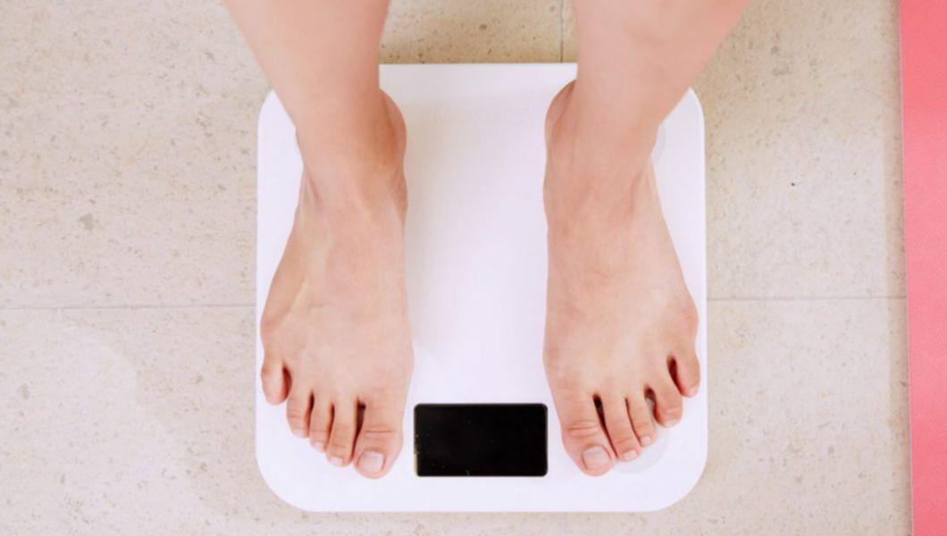 Problemele cu greutatea cauzate de glanda tiroida
