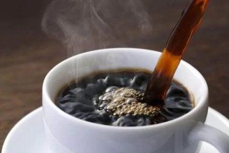 efecte de cofeină asupra pierderii în greutate corporală