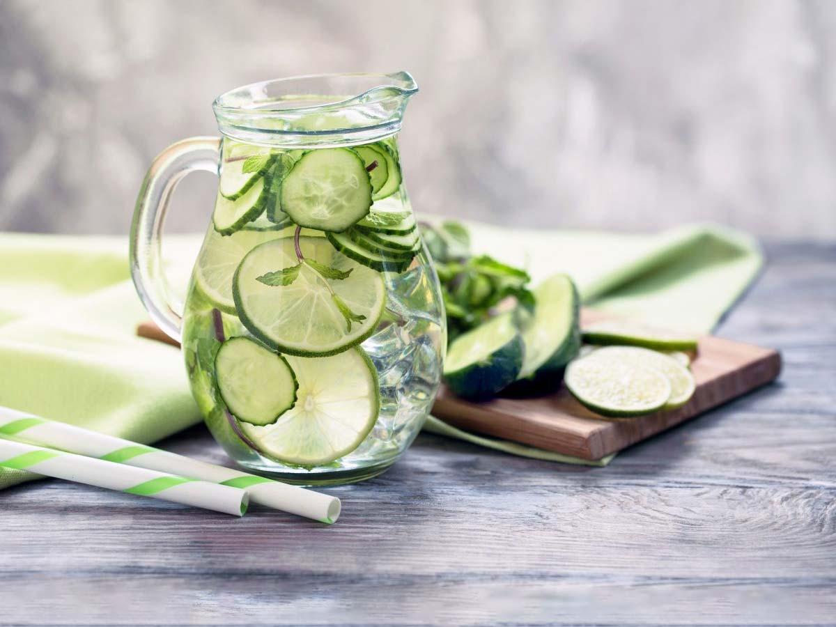 băutură de mentă de castraveți pentru pierderea în greutate
